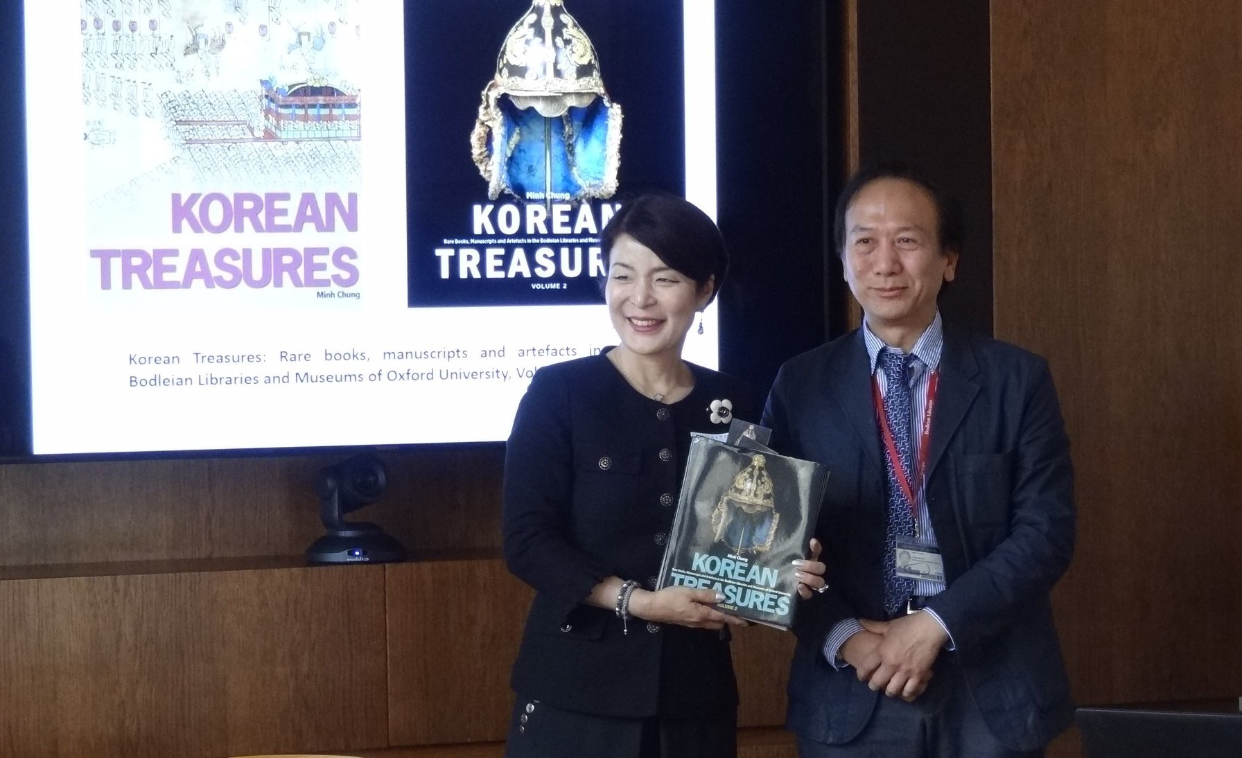 Minh Chung publishes second volume of Korean Treasures